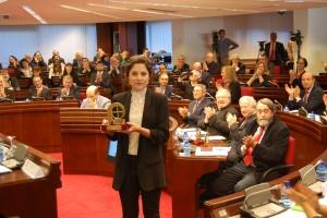 Laura Contreras, recogiendo su premio hoy en Madrid.