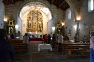 Celebración de la Eucaristía hoy en Vilvestre, localidad que entró en la fase 1 el pasado día 11.