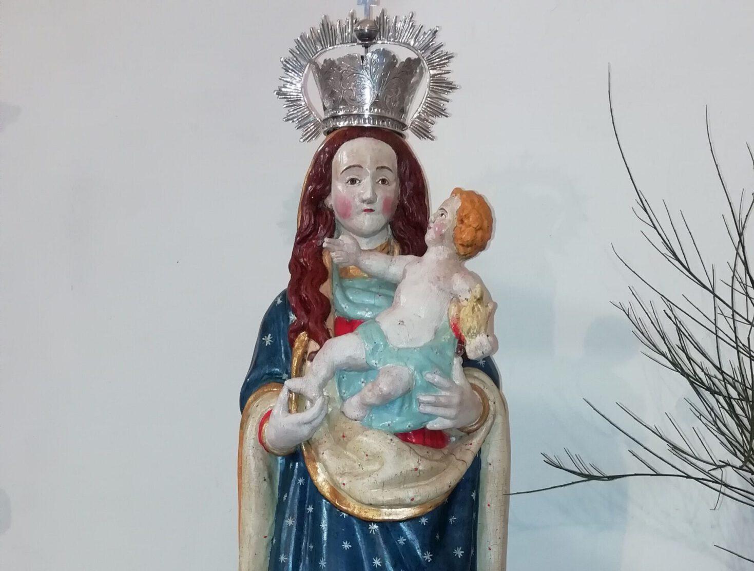 Virgen del Rosario (La Atalaya). Restaurada en octubre de 2020